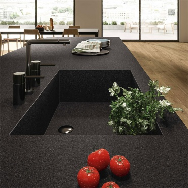 kitchen-table-in-porcelain-stoneware-big-slab-nero-zimbabwe